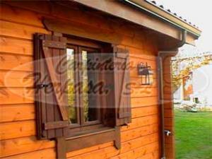 Puertas y ventanas para casas de madera carpinteria herpasa for Ventanas de madera precios en rosario